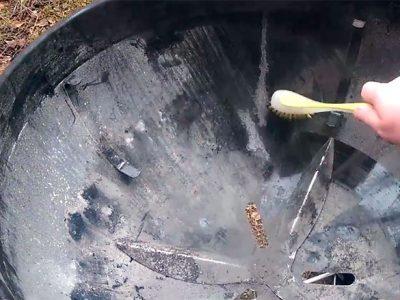 Как очистить угольный гриль (видео)