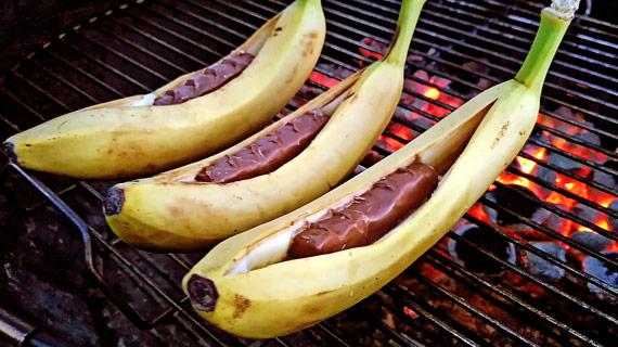 Бананы на гриле (видео)