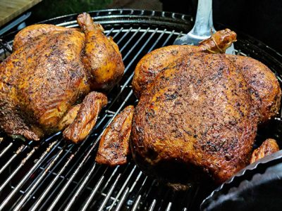 Курица барбекю в коптильне (видео)