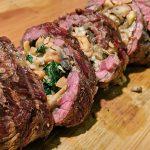 Мясной рулет из говядины на гриле (видео)