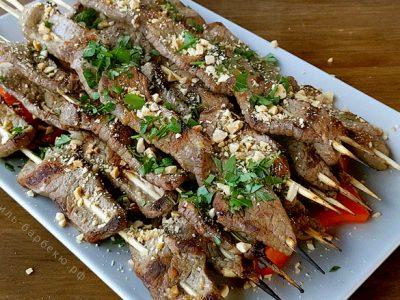 Шашлычки из говядины по-тайски на гриле (видео)