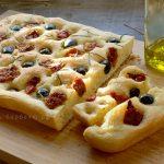 Фокачча с оливками и вялеными помидорами на гриле (видео)
